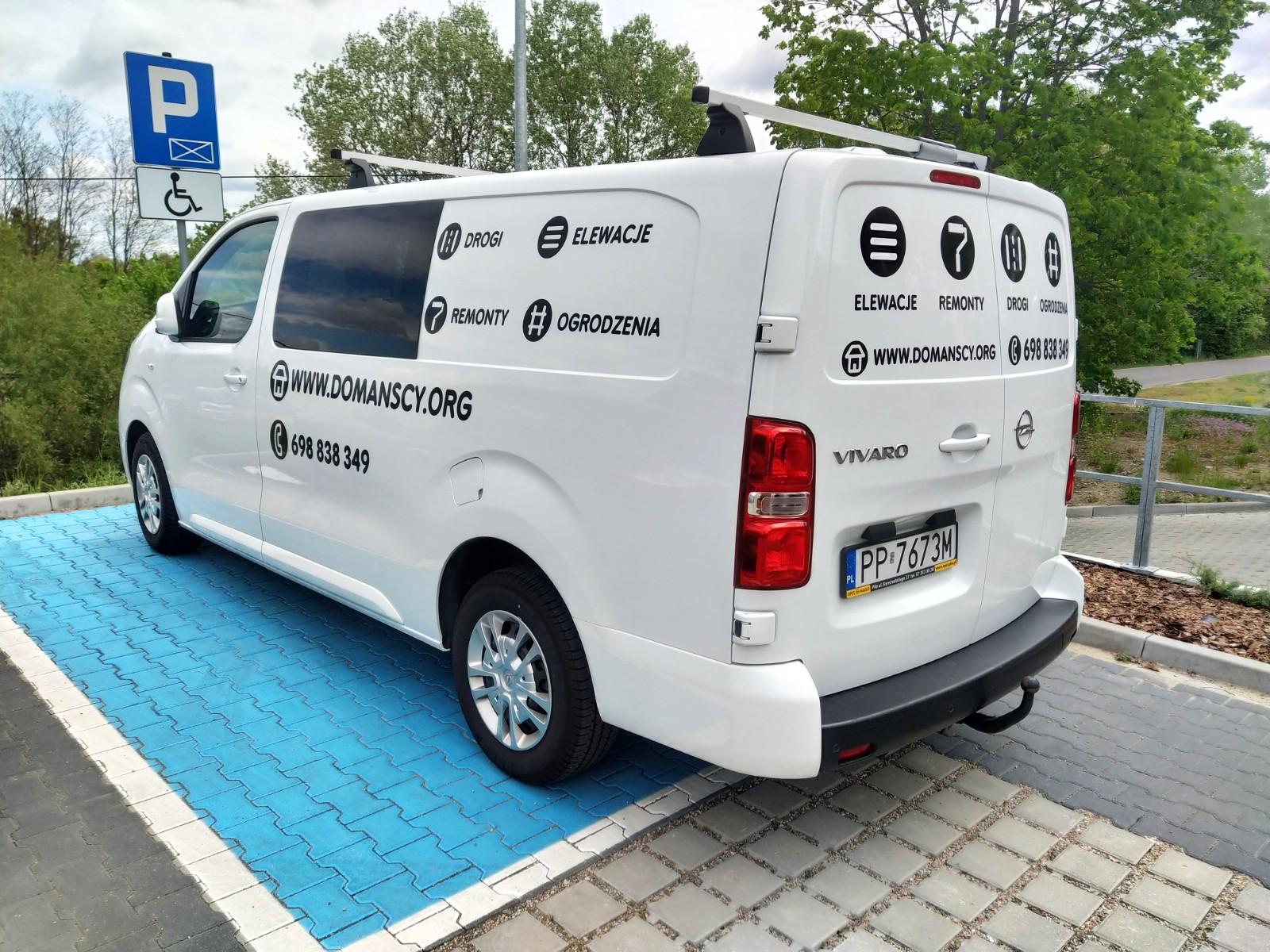 Projekt plus wyklejenie auta dostawczego typu bus, reklama na samochodzie